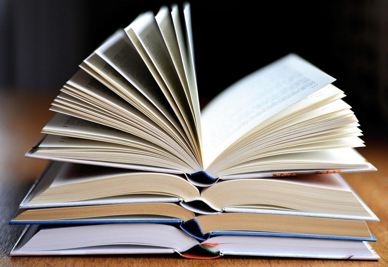 book-3964038_1280